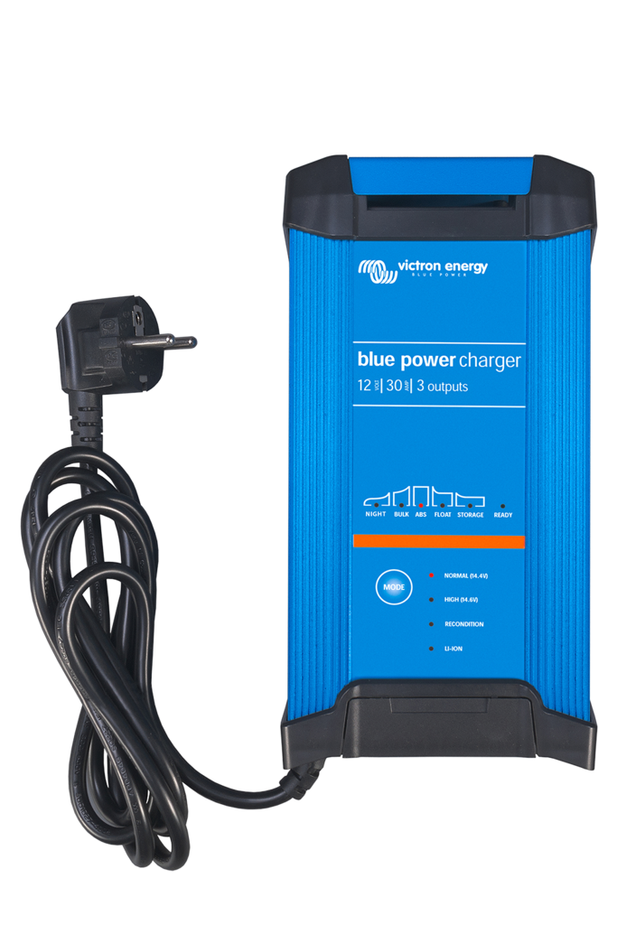 BLUE POWER IP22 CHARGER 12/20 (3)